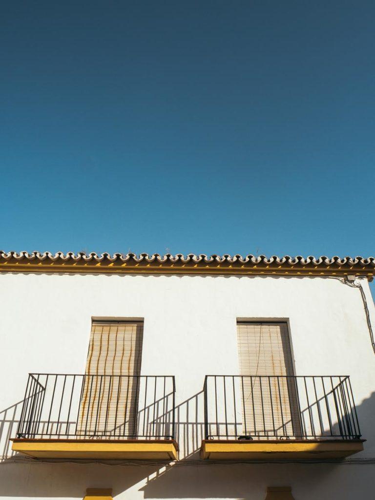 Jak można wybrać sprawdzone osłony balkonowe?