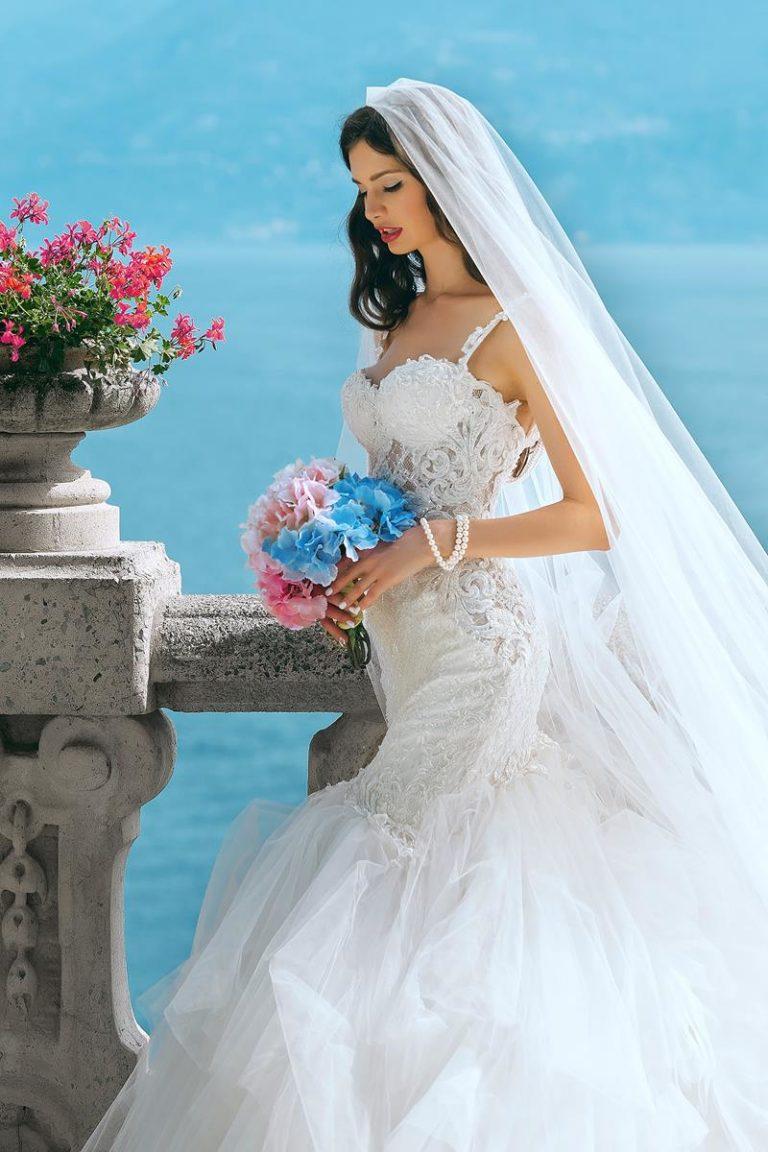 Oferta z sukniami ślubnymi