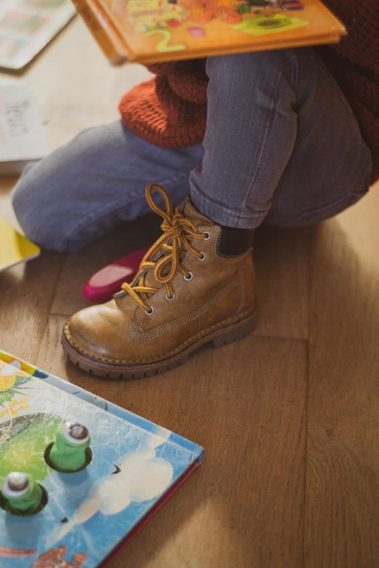 Proste i niedrogie zabawki dla dzieci w wieku dwóch lat